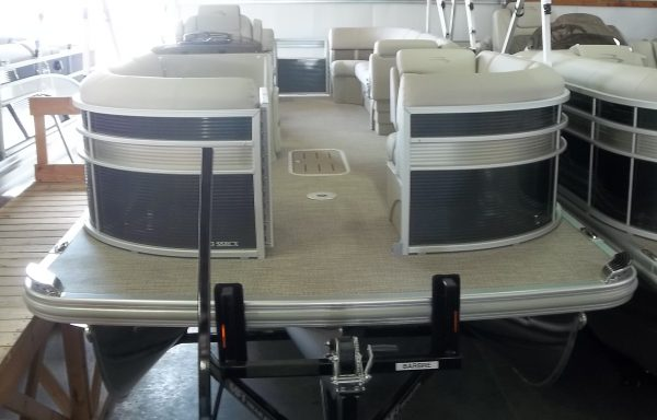 DOUBLE BIMINI!! 2019 23SSRCX REAR SEATING!
