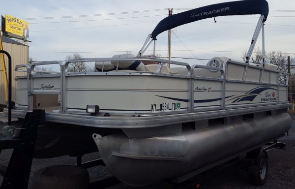 Clean Fishing Package! 2007 Tracker 21 Fish Barge W/ Mercury 60 Four Stroke