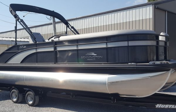 BLACKOUT! 2020 Bennington 23SSBXP Smokey Granite w Metallic Silver Blackout Triple Tube Pontoon!