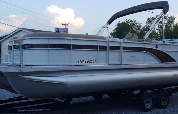 GREAT VALUE! Used 2016 Bennington 24SCW Express Package w/ Yamaha F150 & Trailer